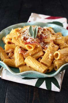 Creamy Pumpkin Prosciutto Rigatoni is an ultra satisfying fall meal that can be made in 30 minutes!