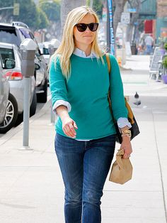 Oh, Reese! Always the epitome of class (even in just a sweater and jeans!!)