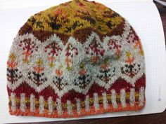 Fair Isle Hat pattern. My Falling Leaves Beanie door MyDoxeyKnits