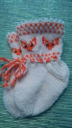 Kettutöppöset Knitting Socks, Baby Knitting, Knitted Hats, Little Fox, Kids And Parenting, Mittens, Knit Crochet, Baby Boy, Blanket