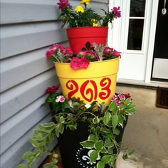 Stacked container for entryway acheea