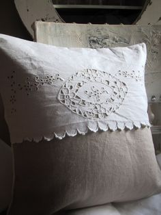 How to recycle old embroidered sheets