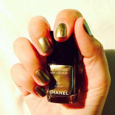 Gold nails...