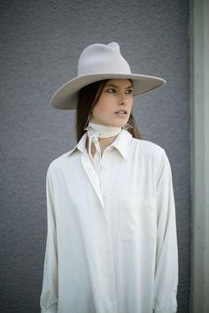 Yestadt - Alabaster Peaks Hat &  Baserange Off White Shirt Dress | BONA DRAG