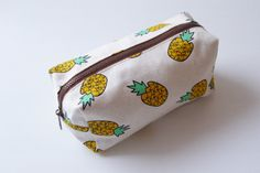 Pineapple pencil bag,pencil case,zipper pouch,Back to School,Makeup Bags,Cosmetic Bags,  Made of canvas .  Measurements:   10 inches long 3.5 inches