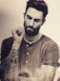 Adam Levine and David beck ham are the only guys with tattoos that I tolerate Maroon 5, Beautiful Men, Beautiful People, Celebrity Crush, Cool Bands, Hot Guys, Hot Men, Eye Candy, How To Look Better