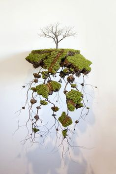 Jorge Mayet is a Cuban expatriate artist living and working in Mallorca, Spain. His mobile landscape wall sculptures are like a nature wonder.
