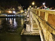 Roma.. Lungotevere di notte ...