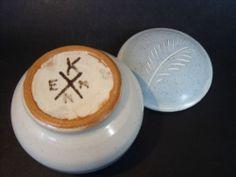 Kenn Pottery mustard pot - KENN cross mark