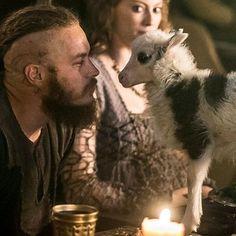 Ragnar and Aslaug - Vikings Season 2