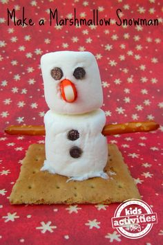 Loving this marshmallow snowman idea!  Such a fun edible Christmas craft for kids to make.