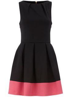 Fashionista Review: Black contrast hem pleat dress