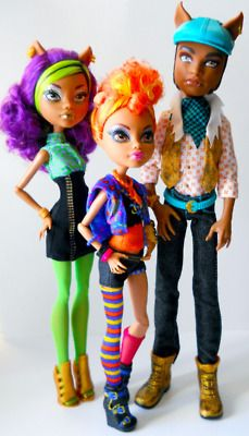 Clawd Wolf, Clawdeen Wolf, and Howleen Wolf they are such a cute brother and sister's pack I love them all!