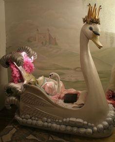 Fantasy Swan Bed~So beautiful