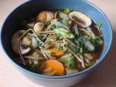 Misosuppe mit Sobanudeln und Gemüse