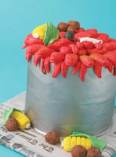 Add a little spice to your wedding with this whimsical, crawfish boil-inspired groom's cake complete with potatoes, corn and celery – of the frosting variety.