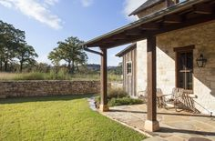 Boot Ranch Provides Renowned Service Amid Rustic Beauty Of Ranch Life Hill Country Homes, Texas Hill Country, Texas Homes For Sale, Rustic Houses Exterior, Luxury Cabin, Country Landscaping, Timber House, Ranch Life, Roofing Systems