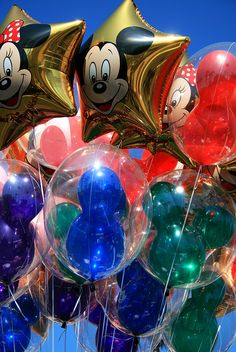 Disney Balloons I want this for my wedding!!!