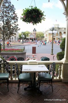Review: Lunch at Tony's Town Square in Walt Disney World's Magic Kingdom