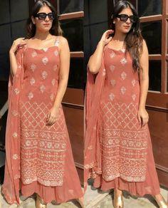 Dress Indian Style, Indian Fashion Dresses, Indian Outfits, Fashion Outfits, Trendy Fashion, Women's Fashion, Party Wear Lehenga, Lehenga Suit, Bollywood Lehenga