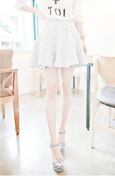 #kfashion #ulzzang omo her legs are perf