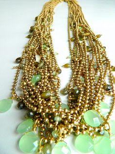 Arrow necklaces, green color. #Natanè #jewels #necklaces #collane #bijoux #green #