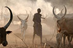 Dinka tribesman in Sudan, Africa. Travel to Sudan with The Italian Tourism Company DMC. A member of Gondwana DMCs - your network of boutique Destination Management Companies across the globe - www.gondwana-dmcs.net