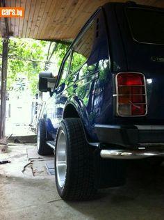 Wide Lada Niva custom