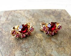 Hey, I found this really awesome Etsy listing at https://www.etsy.com/il-en/listing/280834962/red-pink-rhinestone-clip-on-earrings