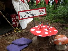 create a Pixie Post Office: have the pixies write back to your child overnight Outdoor Art, Outdoor Play, Outdoor Learning, Outdoor Activities, Writing Area, Start Writing, Role Play Areas, School Displays, Outdoor Classroom