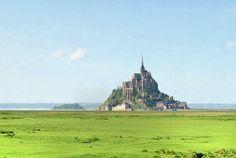 Située entre la Bretagne et la péninsule normande du Contentin, la baie du Mont-Saint-Michel est une des ples belles baies du monde, classée au patrimoine mondial de l'UNESCO. Bontourism, Tout l'Art du Voyage vous fait découvrir des joyaux du patrimoine français… Serez-vous du voyage ?