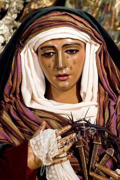 Esperanza de Triana. Sevilla. La virgen morena.