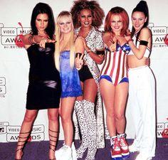 Las Spice Girls se reúnen #sereunenlasspicegirls #SpiceGirls #SpiceGirlsreunion http://us.emedemujer.com/trending/celebridades/las-spice-girls-se-reunen/