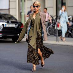 843 отметок «Нравится», 10 комментариев — Gitta Banko (@gittabanko) в Instagram: «@steffenschraut  Werbung/Ad #streetstyle» Capsule Wardrobe, Animal Print Outfits, Blazer, Duster Coat, Kimono Top, Gitta Banko, Womens Fashion, Jackets, Instagram