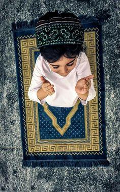 Sükût-u Lisan Selamet-i Insan Muslim Photos, Muslim Images, Islamic Images, Islamic Pictures, Islamic Quotes, Stylish Little Boys, Cute Little Baby Girl, Cute Babies, Alone Photography
