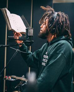 Listen to every J Cole track @ Iomoio Hip Hop And R&b, Hip Hop Rap, Eminem, Bruce Lee, Bob Marley, J Cole Art, J Cole Quotes, New School Hip Hop, Rapper Quotes