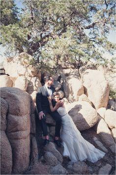 Le Haut Desert Aerie Wedding by Sun and Sparrow Photography via www.lemagnifiqueblog.com