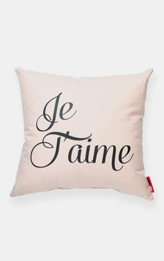 Je Taime Peach Throw Pillow