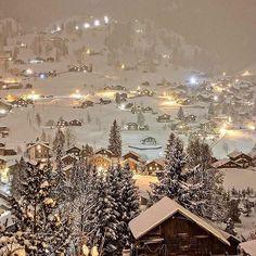 #man #gentlemen #anchor #мужской #якорь #lifestyle #nature #house #home #wood #дом #дерево #mountains #snow #winter #горы #снег #зима @gentlemanchannel