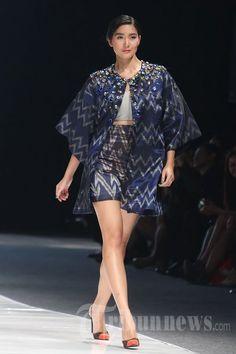 Fashion_Show_Ikat_Indonesia_Didiet_Maulana_9843.jpg