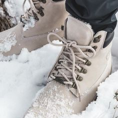 The Shearling-lined RF 6-inch 40 Below in Bone by @ronniefieg  x Timberland. Drops today, 12/16 exclusively at @Kith stores and on KithNYC.com. Only 300 pairs available.