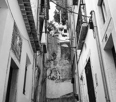 #alfama #lisboapt #super_lisboa #igerslisboa #architecture #visitportugal #portugaldenorteasul #portugalcomefeitos #streetdreamsmag #shootermag #world_bnw #flair_bw #faded_world #instablackandwhite #monochrome #achadosdasemana #blackandwhite #streetphotograhy #gerador #oh_mag #preguicamagazine #p3top #shooters_pt #bnw_rose #bnw_captures #bnw_life #agameoftones #artofvisuals #citykillerz #royalsnappingartists by therealstormlx