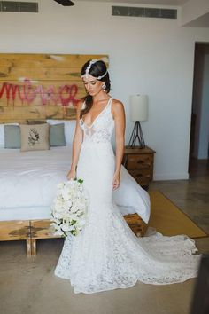 Sweetheart Deep V Neck Sweep Train Wedding Gown,Lace Appliques Wedding Dress W124