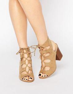 Изображение 1 из Сандалии на блочном каблуке со шнуровкой New Look Wide Fit Lace Up Block Heel, Block Heels, Strappy Sandals, Beige Sandals, Lace Up Sandals, Heeled Sandals, Heeled Mules, Wide Shoes, Mode Online