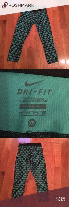 Nike dri-fit crops leggings Brand new never worn Nike crops in a beautiful teal color Nike Pants Leggings
