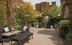 Smoky mirrors and creeping English ivy give this Halsted Welles–designed penthouse terrace the feel of a secret garden. The Upper East Side aerie is planted with hostas, birch trees, flowering dogwoods, and wild grasses.