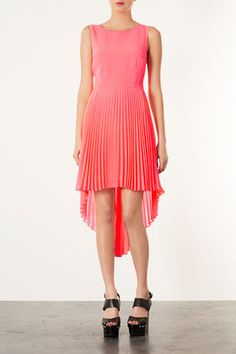 coral pleated high-low hem dress-I am all about the bi-level look this spring! High Low Hem Dresses, Burnt Orange Dress, Thing 1, Romper With Skirt, Chic Dress, Nordstrom Dresses, Dress Me Up, Dress To Impress, Beautiful Dresses