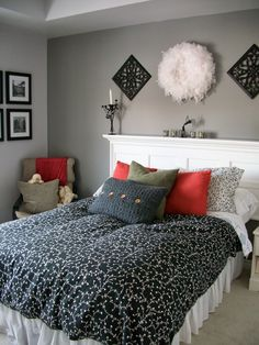 fine silver other 3 walls dulux paints and anonymous behind bed behr paint from favori ? Bedroom Paint Colors Master, Gray Master Bedroom, Wall Decor Living Room, Bedroom Paint Color Inspiration, Living Room Inspiration Grey, Living Room Grey, Favorite Paint Colors, Master Bedroom Paint, Bedroom Paint Inspiration