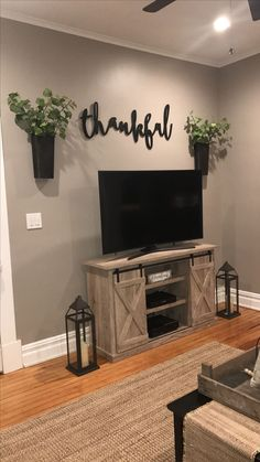 Feather and birch,thankful sign, tv area, farmhouse decor, magnolia market Small Living Room Furniture, Living Room Styles, Lounge Furniture, Tv Stand Ideas For Living Room, Cozy Living Rooms, Kids Furniture, Living Room Interior, Interior Design Kitchen, Furniture Plans
