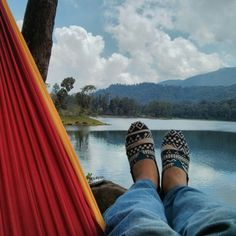 Pick up this hammock so comfortable to chill in between climbing....(Ticket to the moon)